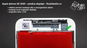 1_Iphone-SE-2020-vymena-displeje-01