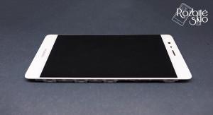 Huawei-P9-LCD-s-dotykem-a-rameckem-bila