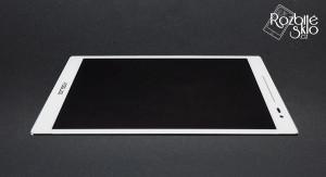 Asus-Zenpad-8-LCD-s-dotykem-bila