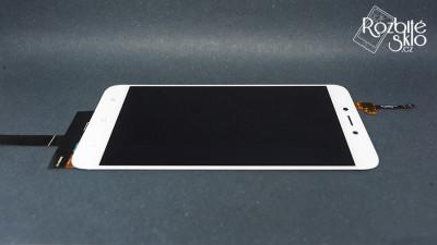 Xiami-Redmi-4X-LCD-displej-s-dotykem-bila